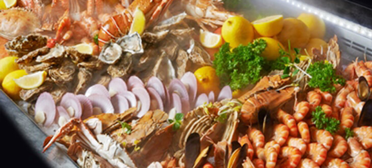 An array of fresh seafood buffet at Latest Recipe, Le Meridien Kuala Lumpur